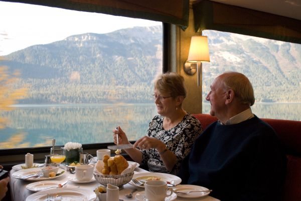 GoldLeaf Service dining on the Rocky Mountaineer