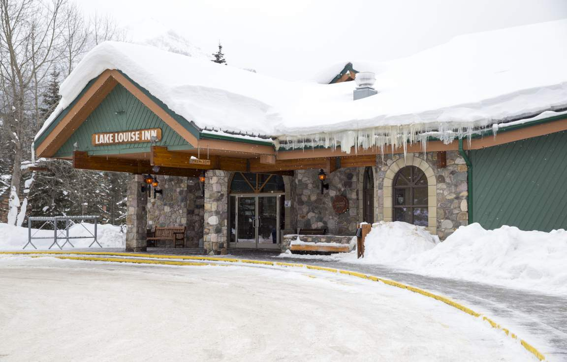 Lake Louise Inn - Winter